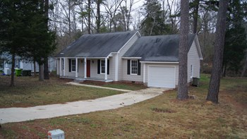 229 Southampton Dr 3 Beds House for Rent Photo Gallery 1