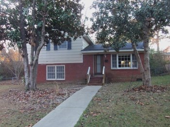 305 Cedarwood St 3 Beds House for Rent Photo Gallery 1