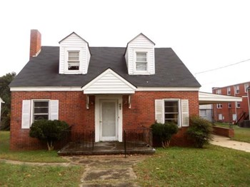605 S. Magnolia Avenue 3 Beds House for Rent Photo Gallery 1