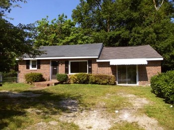 114 Tyson Ave 3 Beds House for Rent Photo Gallery 1
