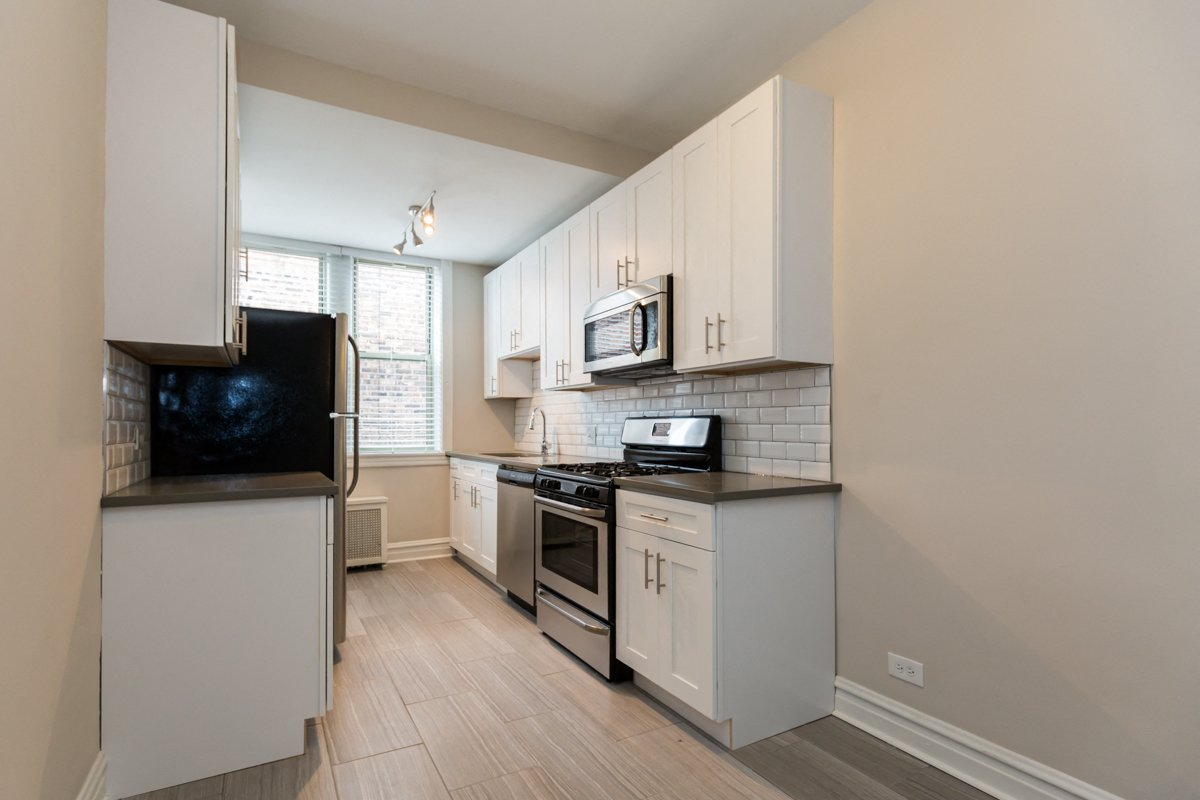 uchicago university of chicago roommate matching renovated kitchen hyde park apartment