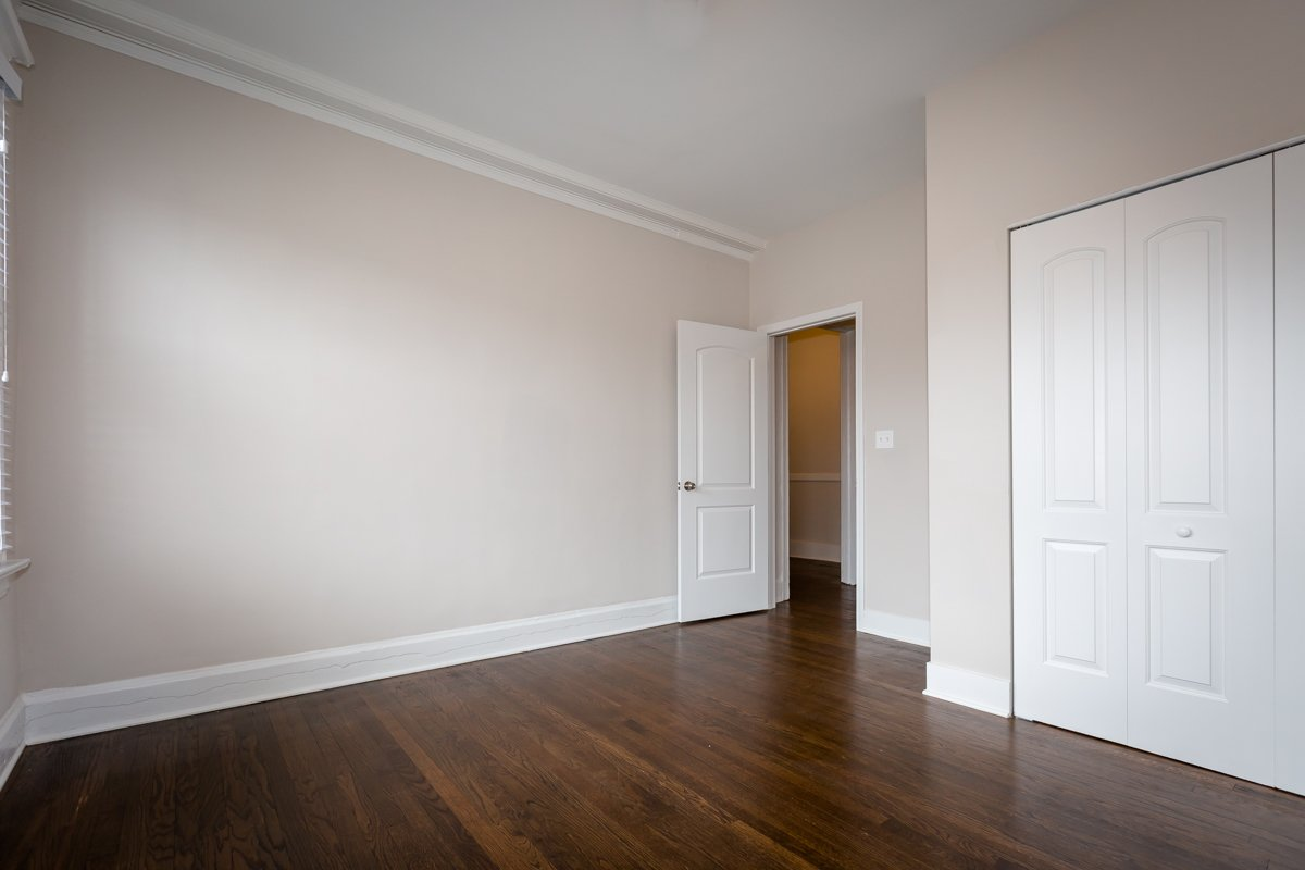 renovated two bedroom closet hardwood floors hyde park chicago apartment rent remodel renovated