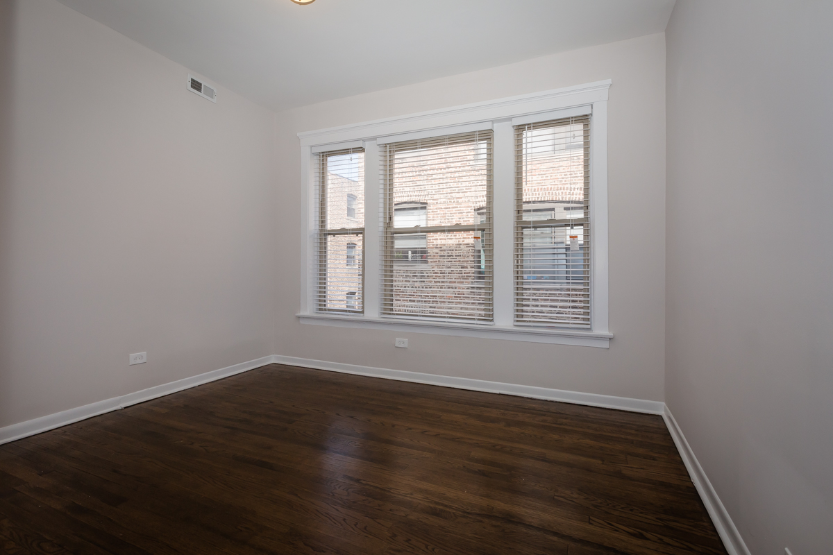 renovated three bedroom remodel bedroom apartment hyde park chicago hardwood floors large windows light rent