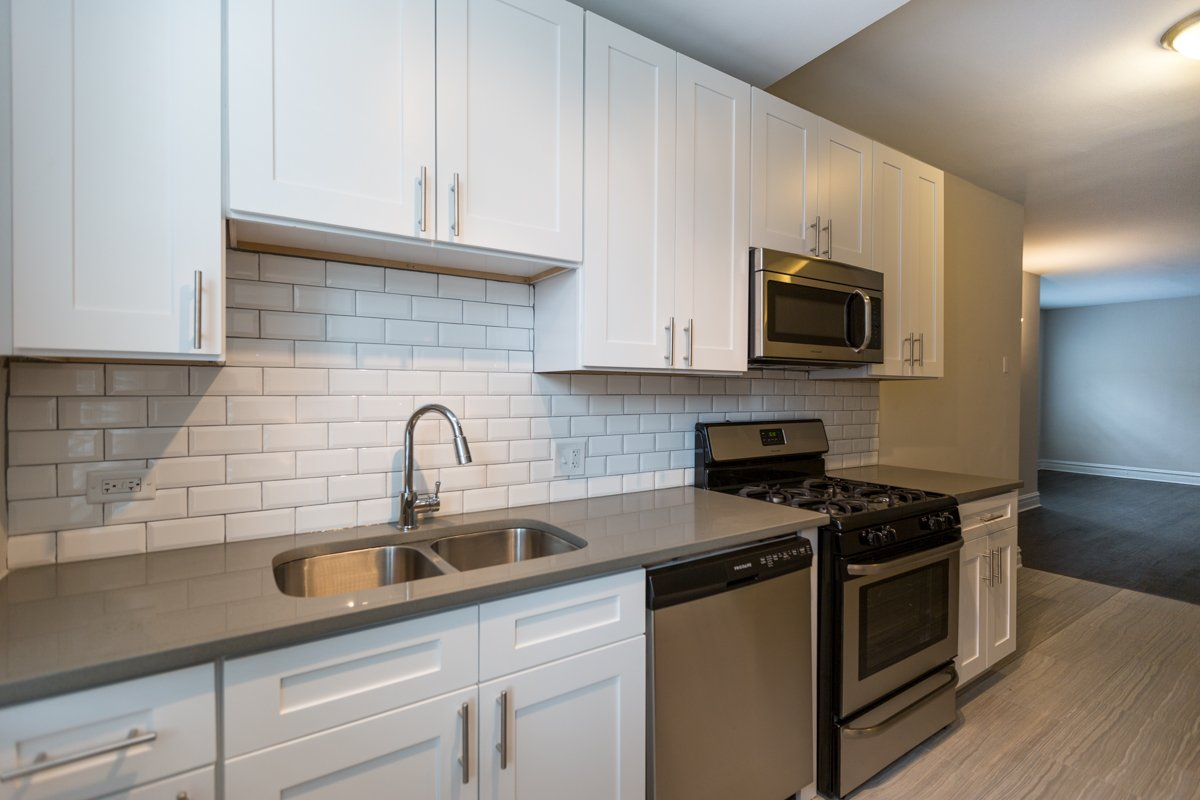 uchicago university of chicago roommate matching remodeled kitchen renovated hyde park chicago apartment