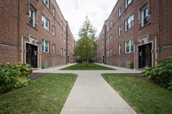Apartment2 Bedroom Apartments for Rent in Rogers Park  IL   RENTCaf . 2 Bedroom Apartments For Rent In Chicago Il. Home Design Ideas