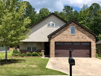 141 Stonebriar Dr 3 Beds House for Rent Photo Gallery 1