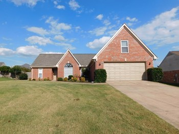 6198 Braybourne Main 3 Beds House for Rent Photo Gallery 1