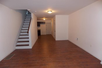 730 N DeKalb St 3 Beds House for Rent Photo Gallery 1