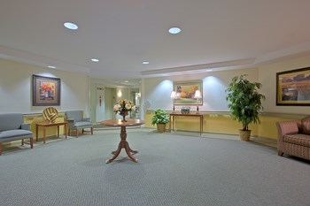 1705 East Eager St 1-2 Beds Apartment for Rent Photo Gallery 1