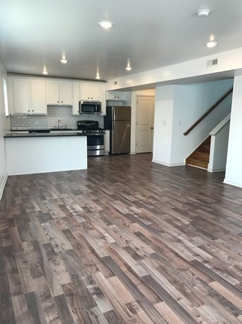 5261 Ridge Avenue 1-3 Beds Apartment for Rent Photo Gallery 1
