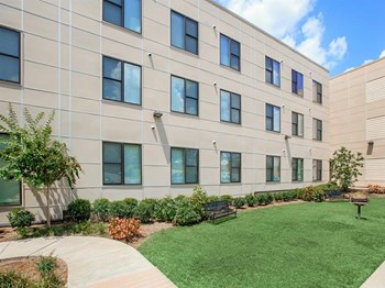 101 Gatewood Avenue 1-3 Beds Apartment for Rent Photo Gallery 1