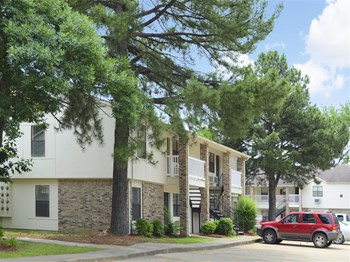 300 S. Donaghey, Bldg. O 1-2 Beds Apartment for Rent Photo Gallery 1