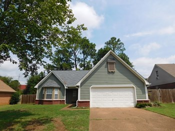 1240 Five Oaks Dr N 3 Beds House for Rent Photo Gallery 1