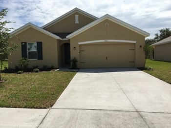 9711 Highland Ridge Dr 4 Beds House for Rent Photo Gallery 1