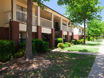 200 Village Lake Drive 1-2 Beds Apartment for Rent Photo Gallery 1