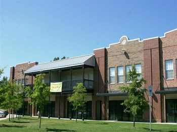 2797 Coy Kaylor Drive 1-2 Beds Apartment for Rent Photo Gallery 1