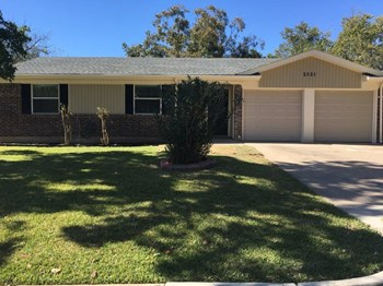 3521 Swan St 3 Beds House for Rent Photo Gallery 1
