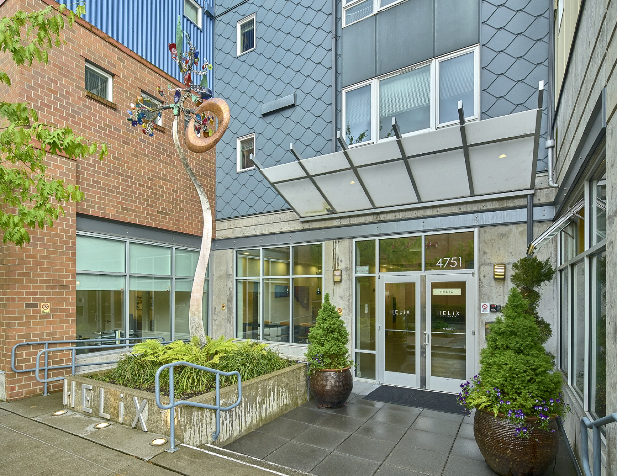 4751 12th Ave NE Studio 2 Beds Apartment For Rent Photo Gallery 1