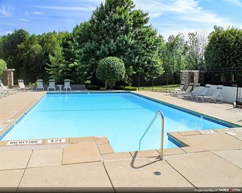 4260 Hidden Lakes Dr. 1-2 Beds Apartment for Rent Photo Gallery 1