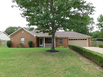 6935 Black Oak Dr 3 Beds House for Rent Photo Gallery 1