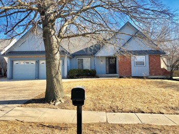 1253 E Butterfield Pl 4 Beds House for Rent Photo Gallery 1