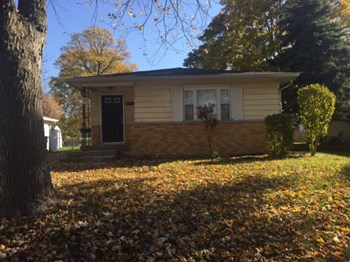 4623 N Richardt Ave 3 Beds House for Rent Photo Gallery 1