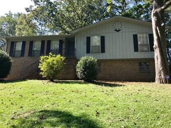 1814 Reed Rd NE 3 Beds House for Rent Photo Gallery 1