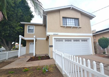 25543 President Ave 3 Beds House for Rent Photo Gallery 1
