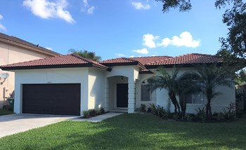 13949 SW 160 Court 4 Beds House for Rent Photo Gallery 1