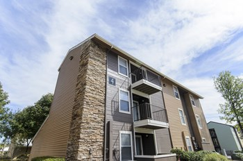 2020 Armstrong Mill Road 1-2 Beds Apartment for Rent Photo Gallery 1