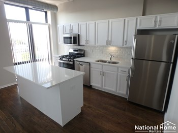1524 S Sangamon St Unit 616 2 Beds House for Rent Photo Gallery 1