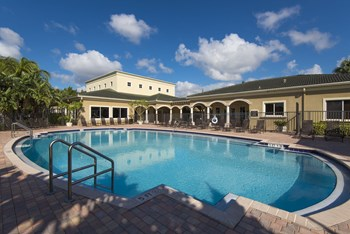 6351 Palm Trace Landings Dr 1-4 Beds Apartment for Rent Photo Gallery 1