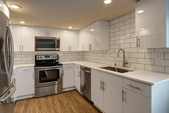 5061 37th Ave S 2 Beds Apartment for Rent Photo Gallery 1