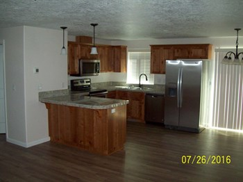 1252 Linden Court 3 Beds House for Rent Photo Gallery 1
