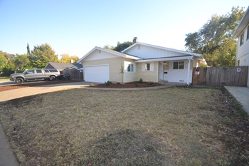 8920 Rosewood Dr 3 Beds House for Rent Photo Gallery 1