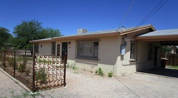 301 E. LAGUNA STREET 3 Beds House for Rent Photo Gallery 1