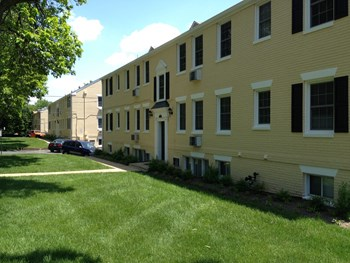4822-4842 Fairfax Drive 1 Bed Apartment for Rent Photo Gallery 1