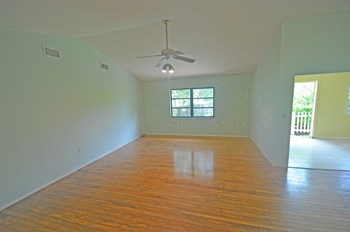 2563 W Scarlet Oak Ct 3 Beds House for Rent Photo Gallery 1
