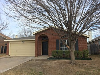 1156 Union Dr 3 Beds House for Rent Photo Gallery 1