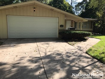 425 N Kenneth Court 4 Beds House for Rent Photo Gallery 1