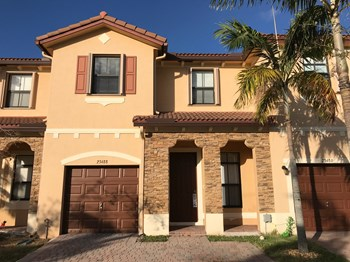 23488 SW 113 Avenue 3 Beds House for Rent Photo Gallery 1