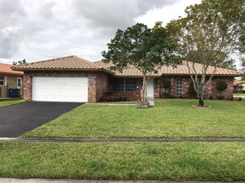3740 NW 13th Avenue 3 Beds House for Rent Photo Gallery 1