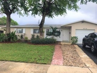 4314 Taft Street 3 Beds House for Rent Photo Gallery 1