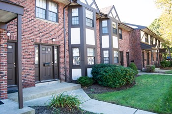 29 Buffalo Avenue 1-2 Beds Apartment for Rent Photo Gallery 1
