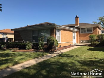 15419 University Avenue 3 Beds House for Rent Photo Gallery 1