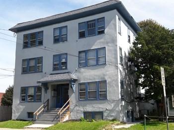 86 Oak Street Studio Apartment for Rent Photo Gallery 1