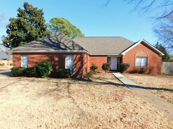 6464 Evergreen Dr 3 Beds House for Rent Photo Gallery 1