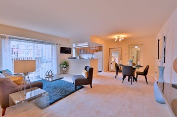 4637 Dallas Place Studio-3 Beds Apartment for Rent Photo Gallery 1