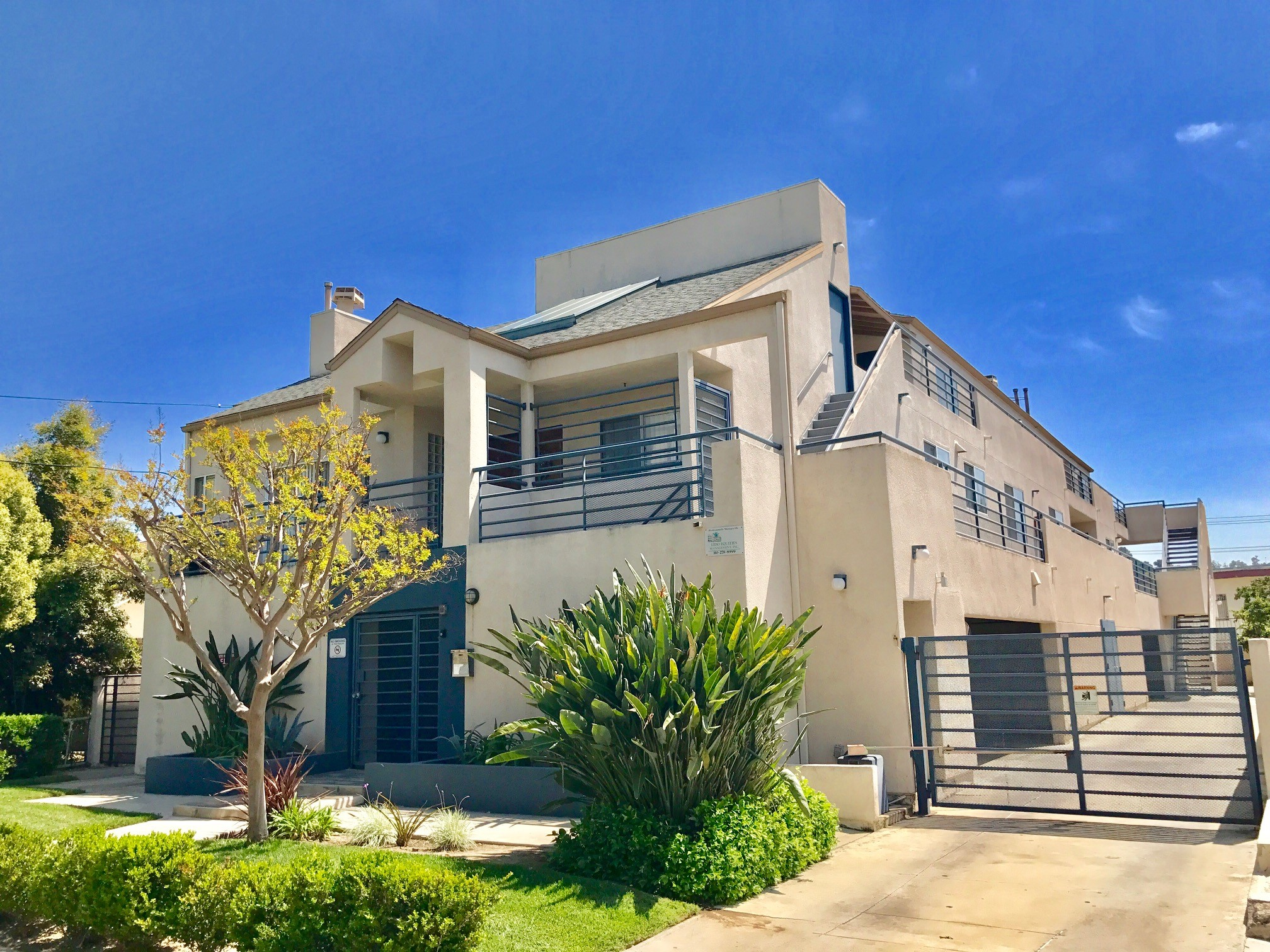 730 E. Raleigh Street, Glendale, CA 91205, 3 Bedroom's, 2 Bathroom's, Los Angeles County, California, Apartment for Rent