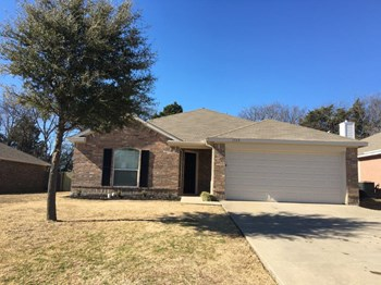 1723 Katrina Ln 4 Beds House for Rent Photo Gallery 1
